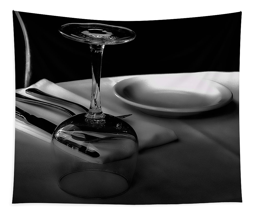 Place Setting Tapestry featuring the photograph Awaiting Romance by David Patterson