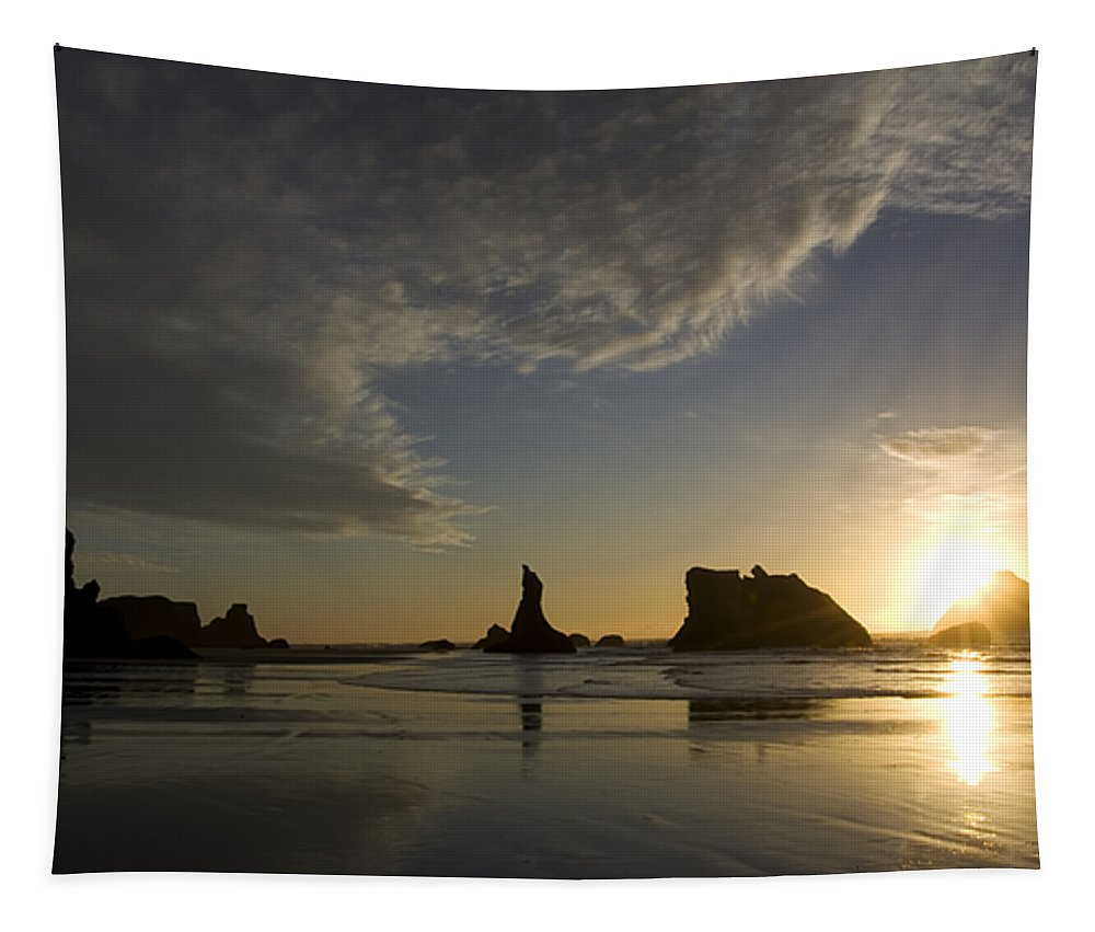 Oregon Usa Tapestry featuring the photograph Bandon Sunset 4 by Bob Christopher