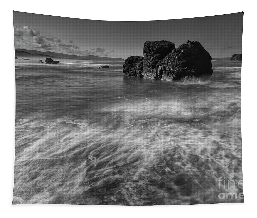 Beach Tapestry featuring the photograph Between Waves by Masako Metz