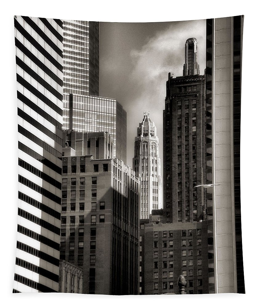 Chicago Architecture Tapestry featuring the photograph Chicago Architecture - 13 by Ely Arsha