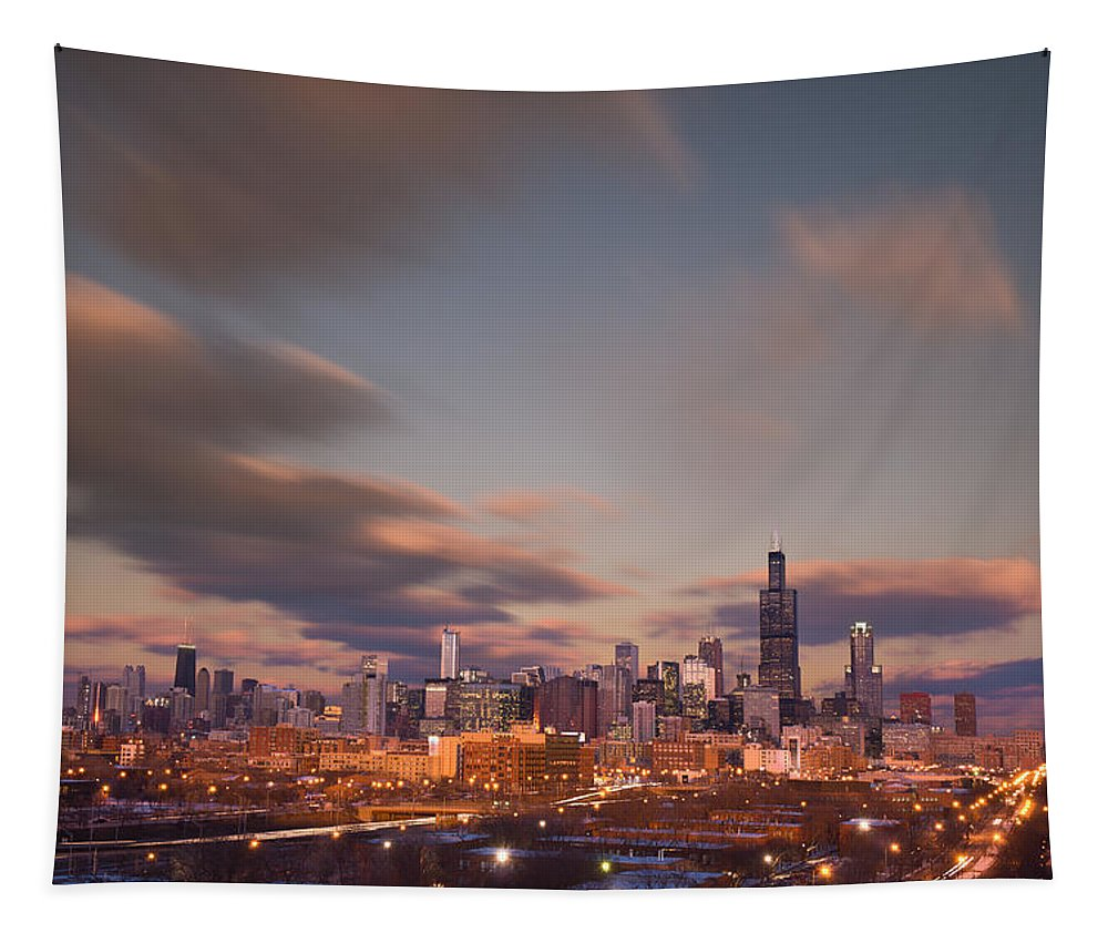 Loop Tapestry featuring the photograph Chicago Dusk by Steve Gadomski