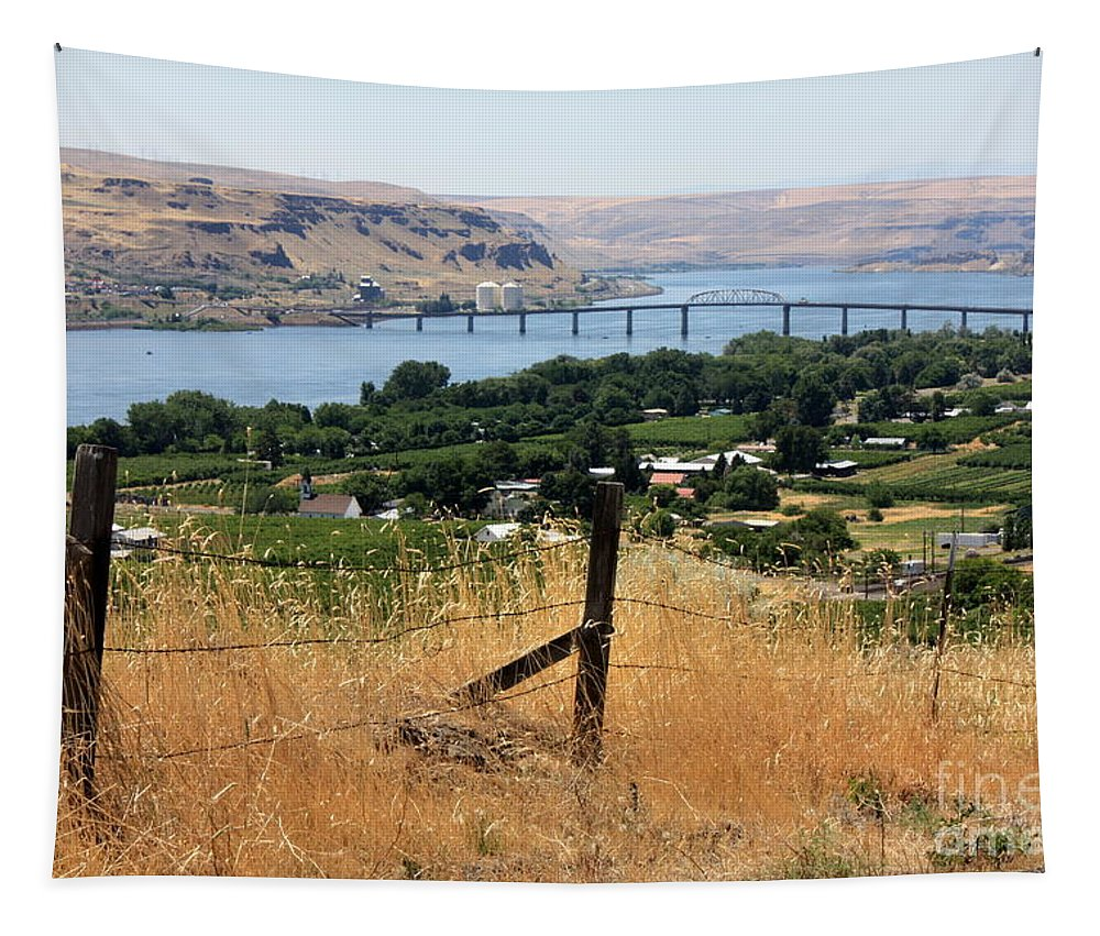 River Tapestry featuring the photograph Columbia River - Biggs And Maryhill State Park by Carol Groenen