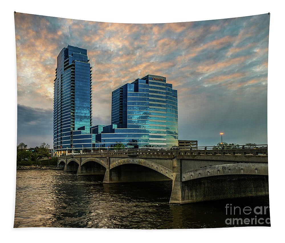 Grand Rapids Tapestry featuring the photograph Days End In Grand Rapids by Nick Zelinsky