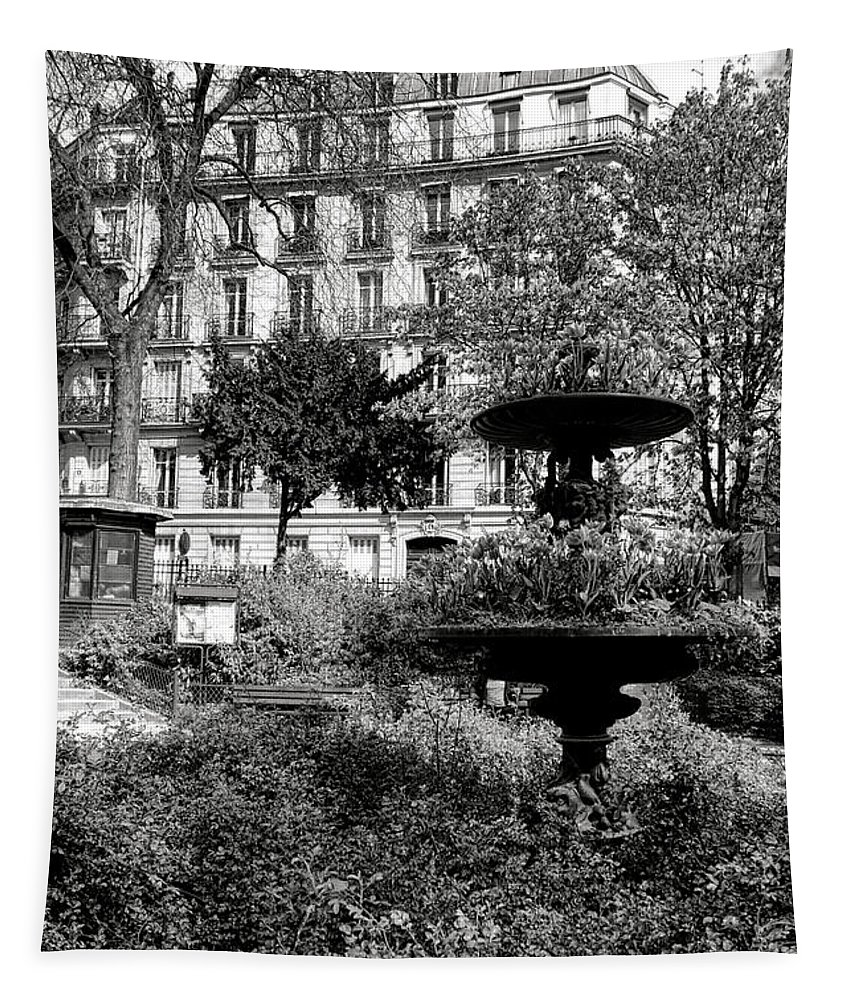Paris Tapestry featuring the photograph Grand Standing by Olivier Le Queinec