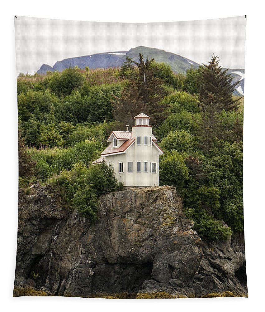 Halibut Cove Lighthouse Tapestry featuring the photograph Halibut Cove Lighthouse by Phyllis Taylor