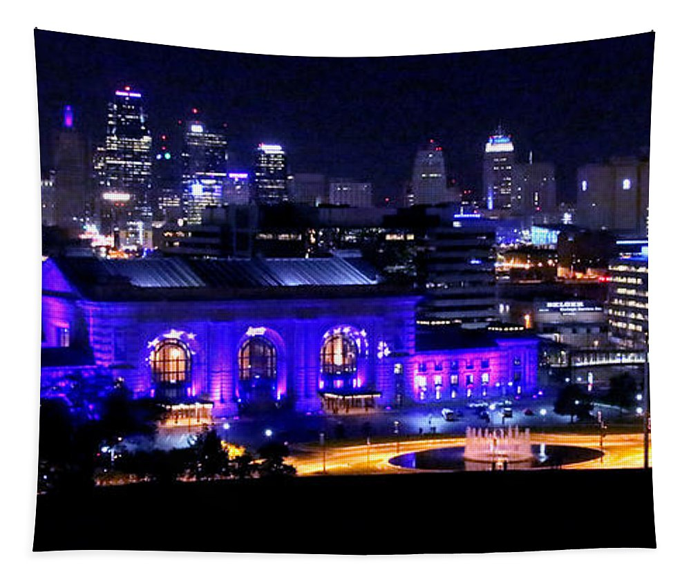 Kc Tapestry featuring the photograph Kc Skyline 2015-9850b by Gary Gingrich Galleries