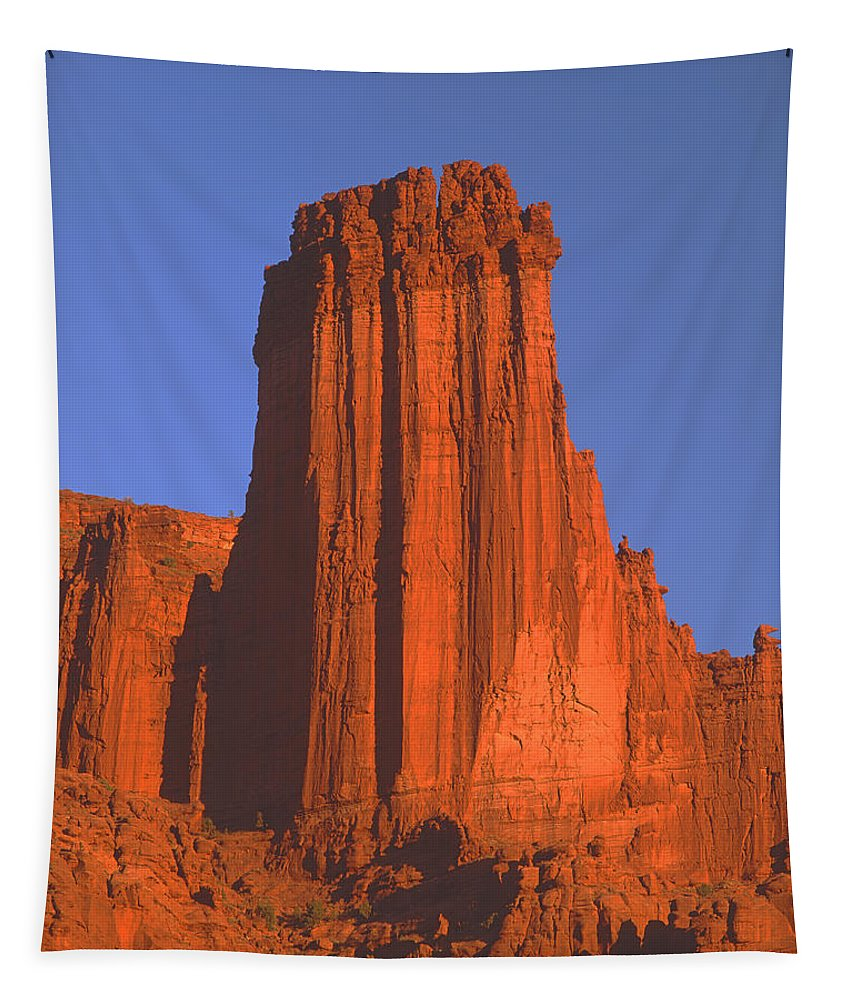 Sunset Tapestry featuring the photograph 612706-kingfisher Tower by Ed Cooper Photography