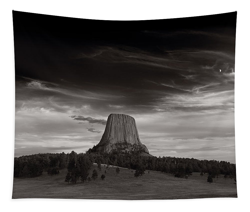 Wyoming Tapestry featuring the photograph Last Light On Devils Tower Bw by Steve Gadomski