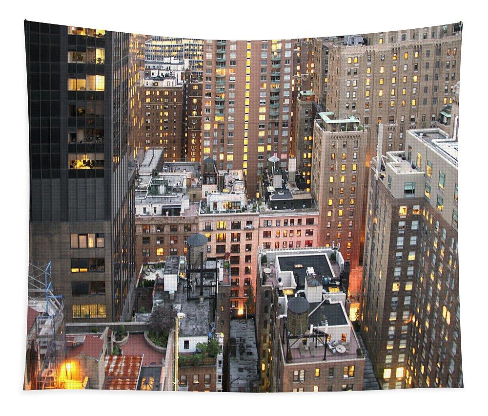 Skyline Tapestry featuring the photograph Manhattan At Dusk by Bob Slitzan