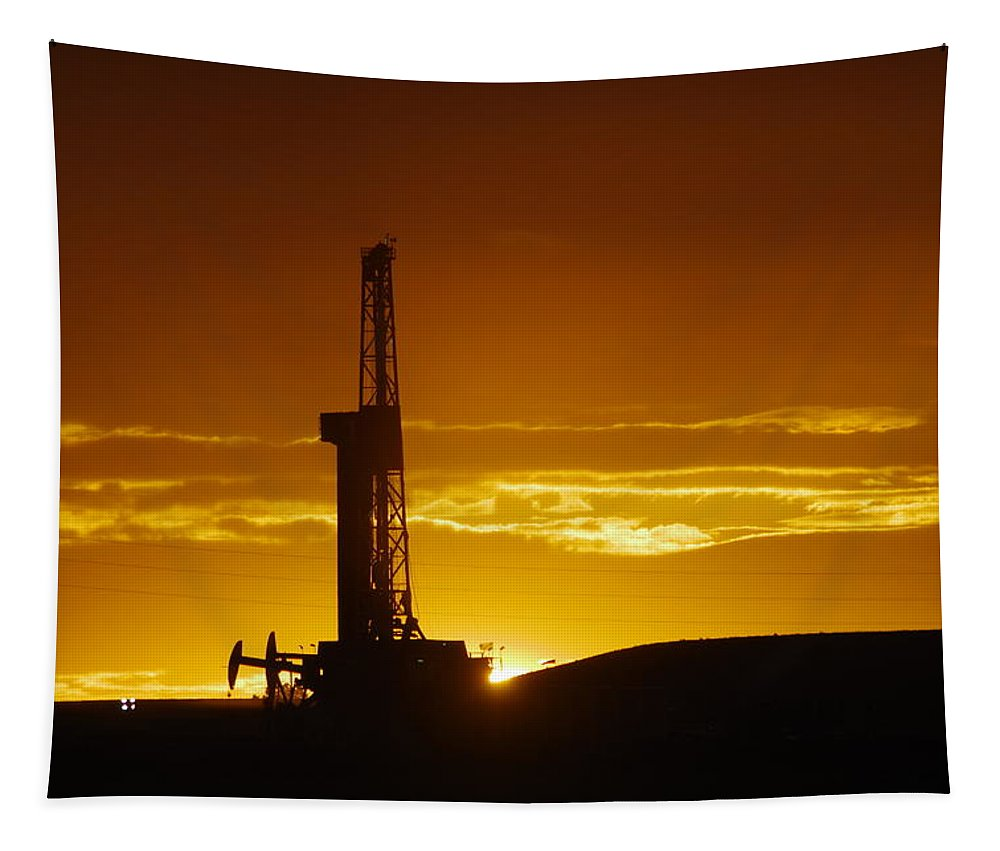Oil Tapestry featuring the photograph Nabors B-18 Williston North Dakota by Jeff Swan