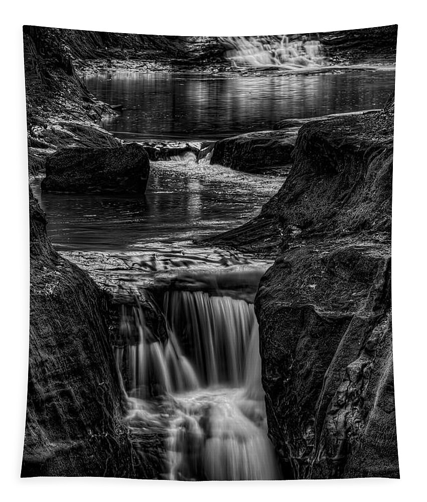 Pewits Nest Tapestry featuring the photograph Pewits Nest Waterfalls In Black And White by Dale Kauzlaric