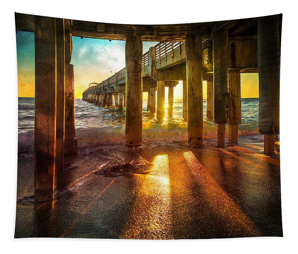 Radiant Tapestry featuring the photograph Radiant Rays by Lynn Bauer