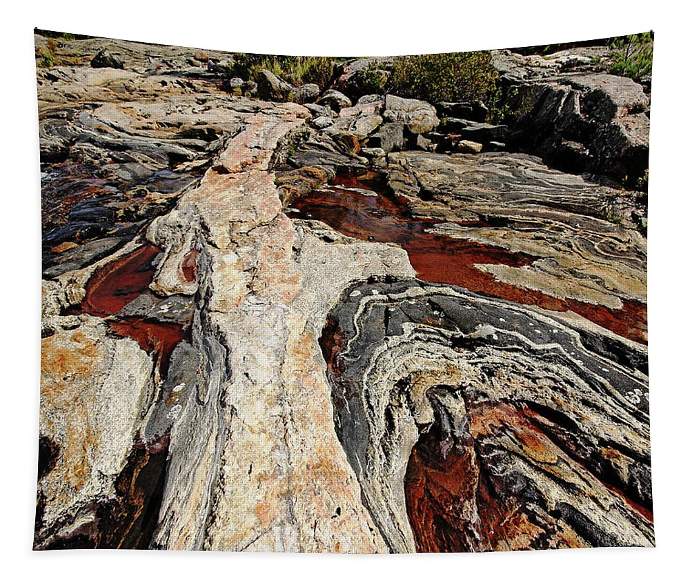 Rock Tapestry featuring the photograph Rocky Pools - Wreck Island by Debbie Oppermann