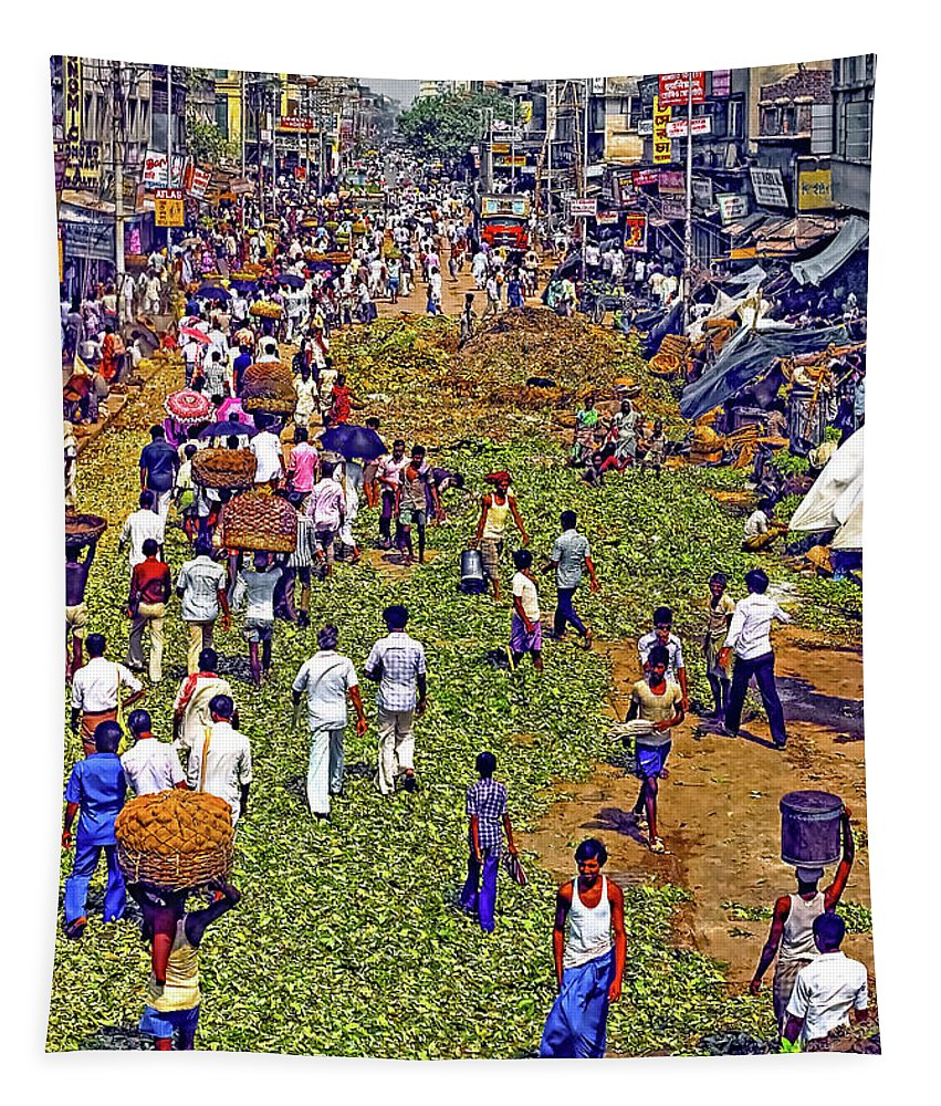 Calcutta Tapestry featuring the photograph Rush Hour by Steve Harrington