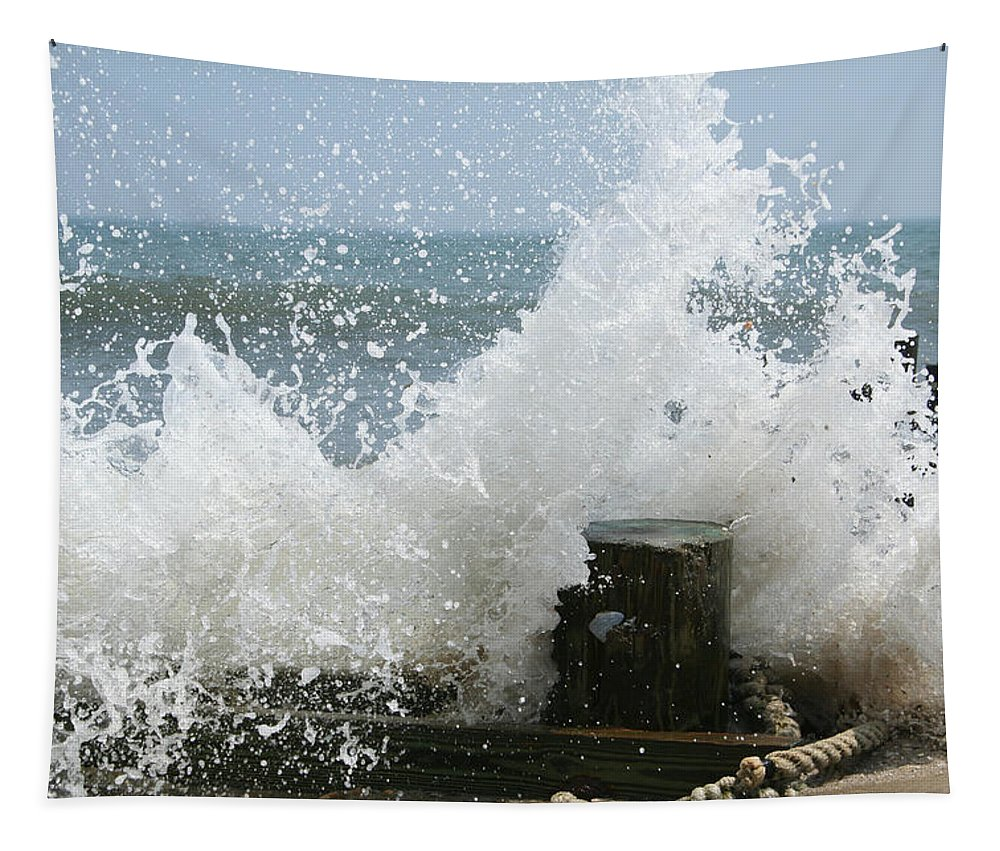 Ocean Tapestry featuring the photograph Splash by Linda Sannuti