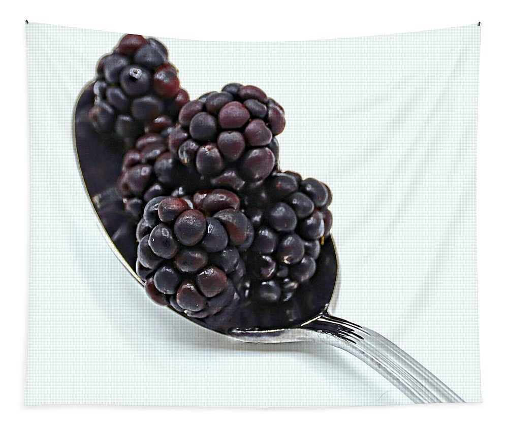 Photo Designs By Suzanne Stout Tapestry featuring the photograph Spoonful Of Blackberries by Suzanne Stout