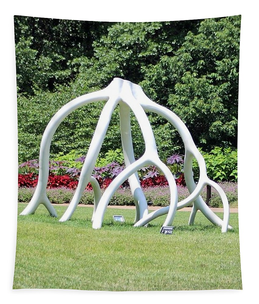 Cheekwood Gardens Tapestry featuring the photograph Steelroots Sculpture by Gayle Miller