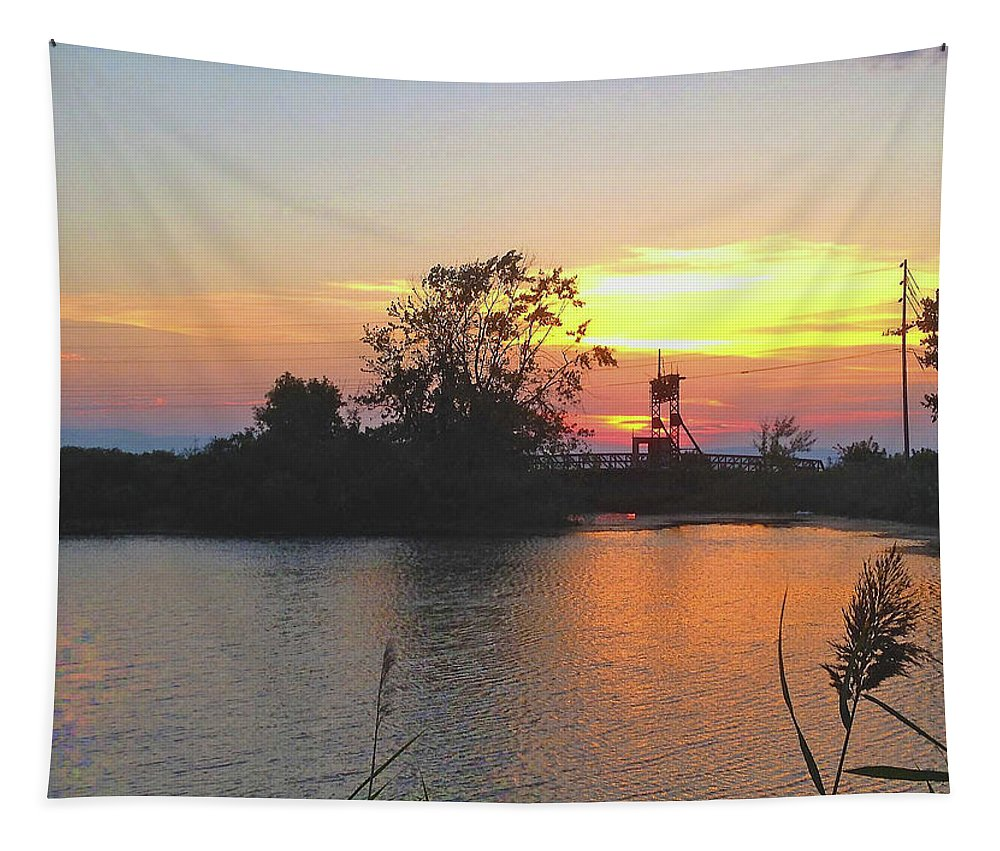 Licensing Tapestry featuring the photograph Sunset West Of Myers Bagels Vertical by Felipe Adan Lerma