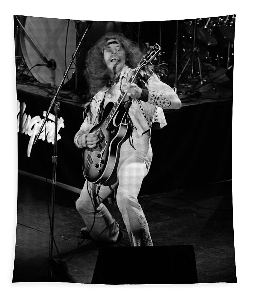 Classic Rock Photos Tapestry featuring the photograph Tn#1 by Ben Upham