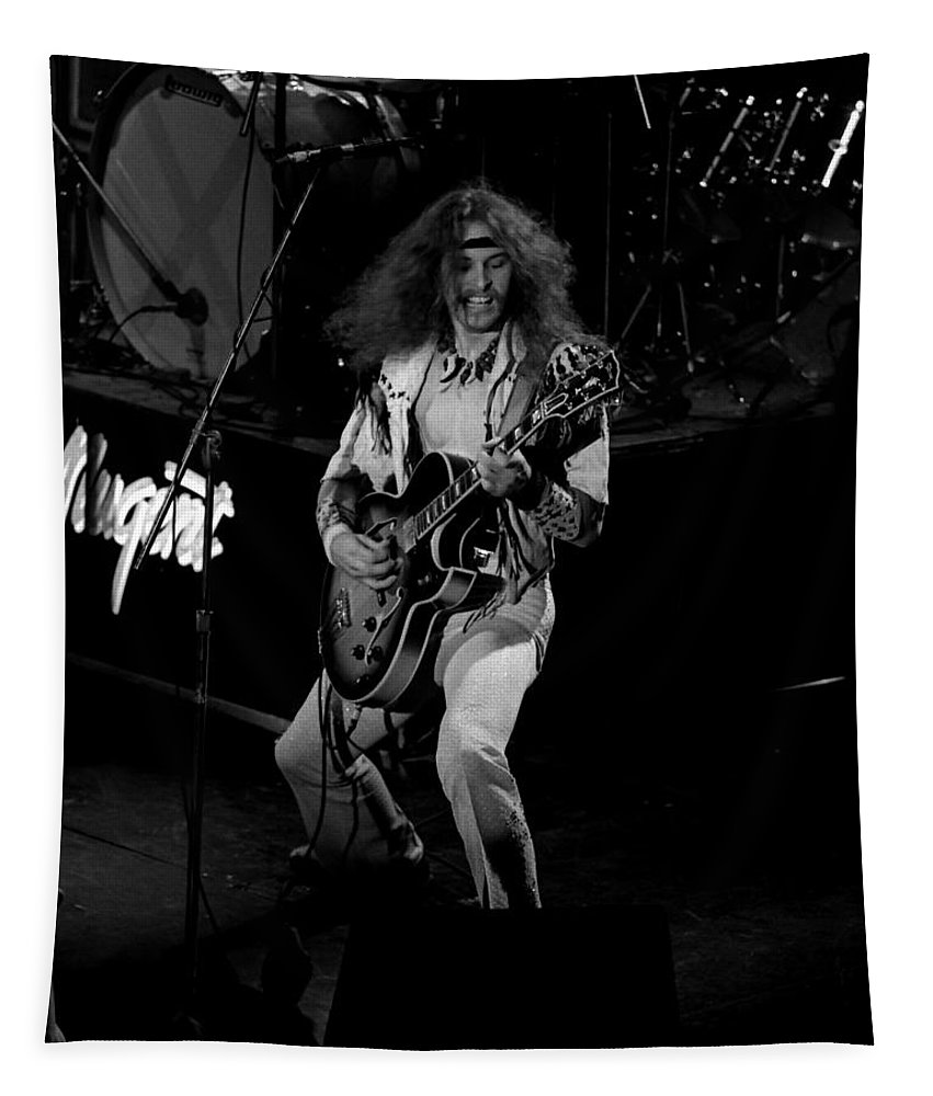 Classic Rock Photos Tapestry featuring the photograph Tn#2 by Ben Upham