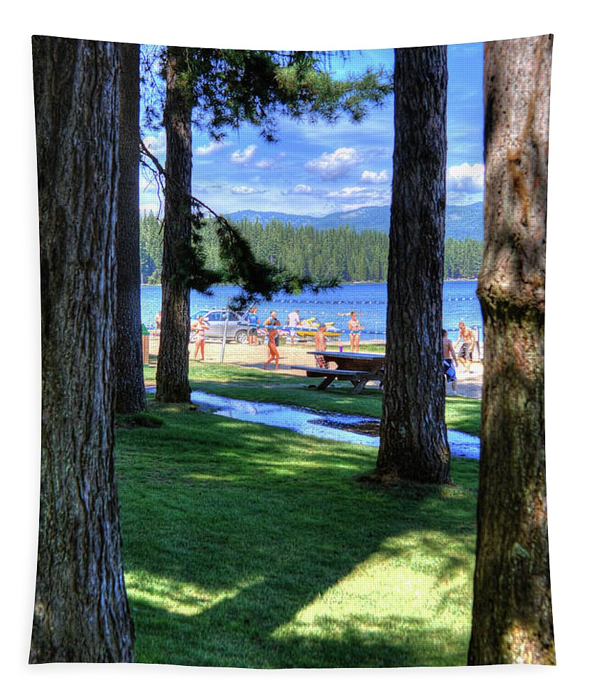 To The Beach Tapestry featuring the photograph To The Beach by David Patterson