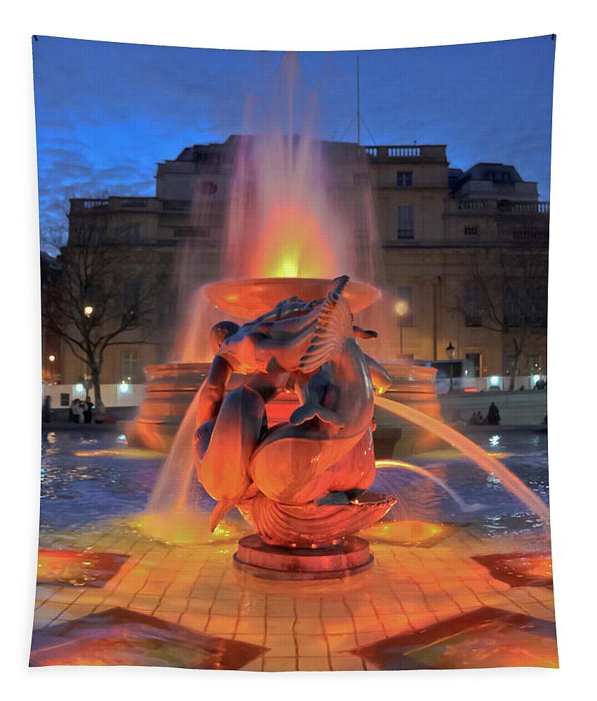 Trafalgar Square Tapestry featuring the photograph Trafalgar Square Fountain by Terri Waters