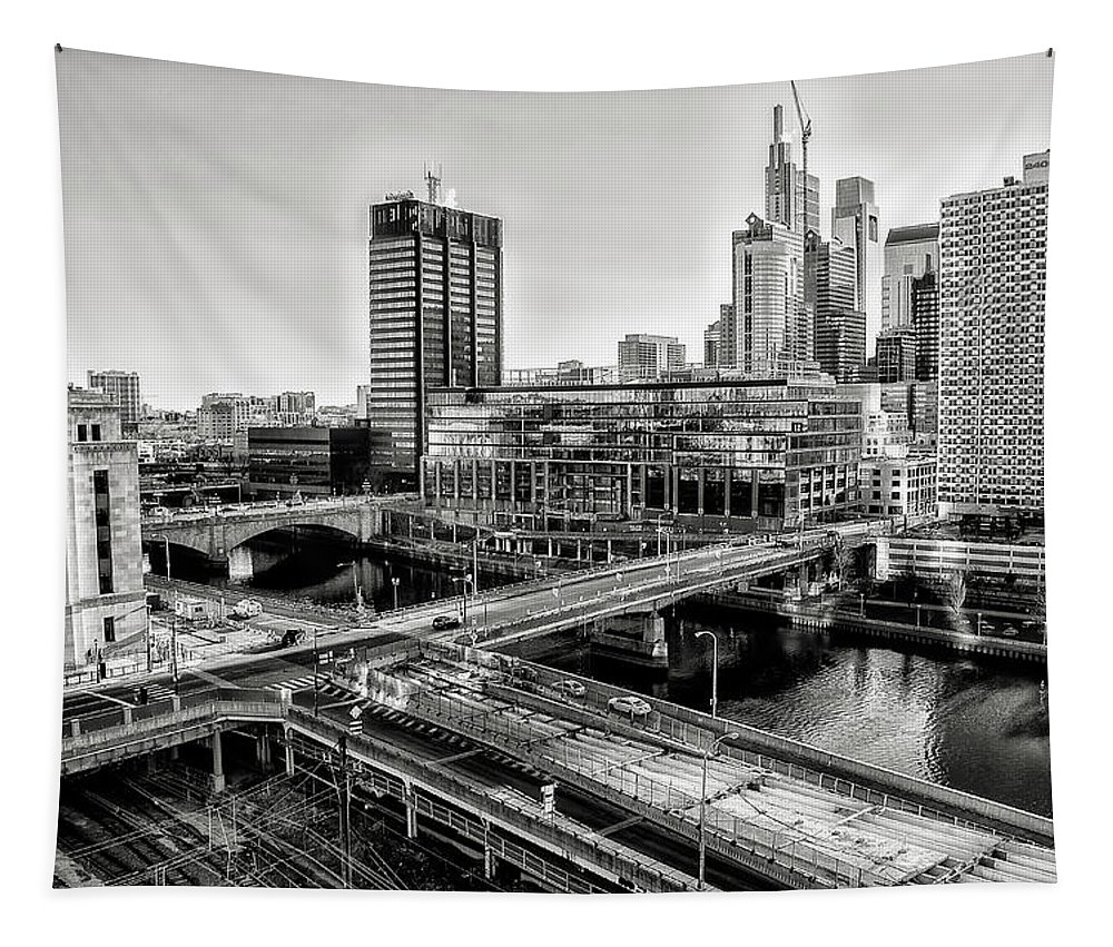 Walnut Tapestry featuring the photograph Walnut Street City View In Black And White by Bill Cannon