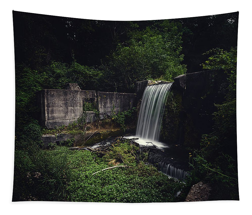 32-bit Hdr Tapestry featuring the photograph Waterfall At Paradise Springs by Scott Norris