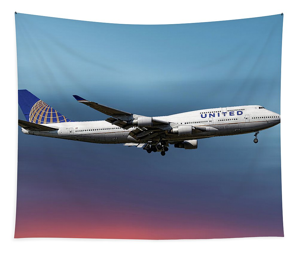 United Airlines Tapestry featuring the mixed media United Airlines Boeing 747-422 by Smart Aviation
