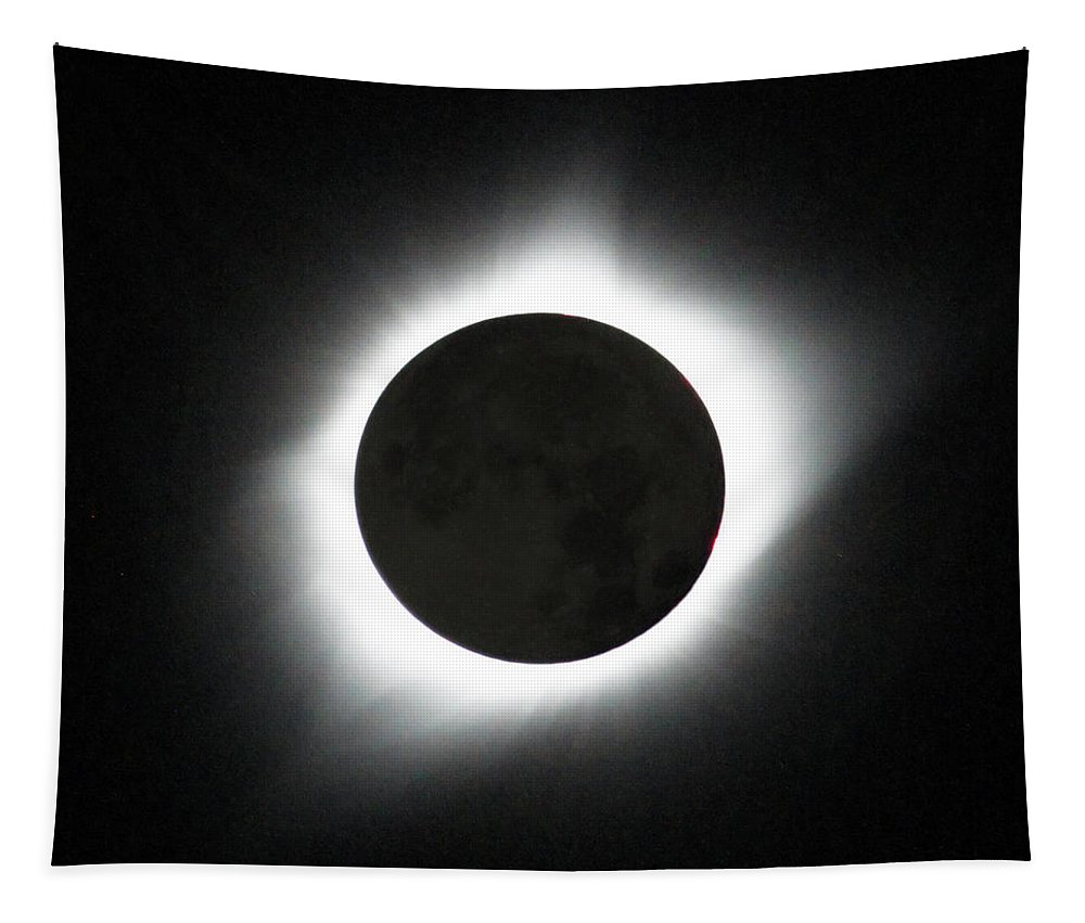Solar Eclipse Tapestry featuring the photograph The great American Eclipse by Nunzio Mannino