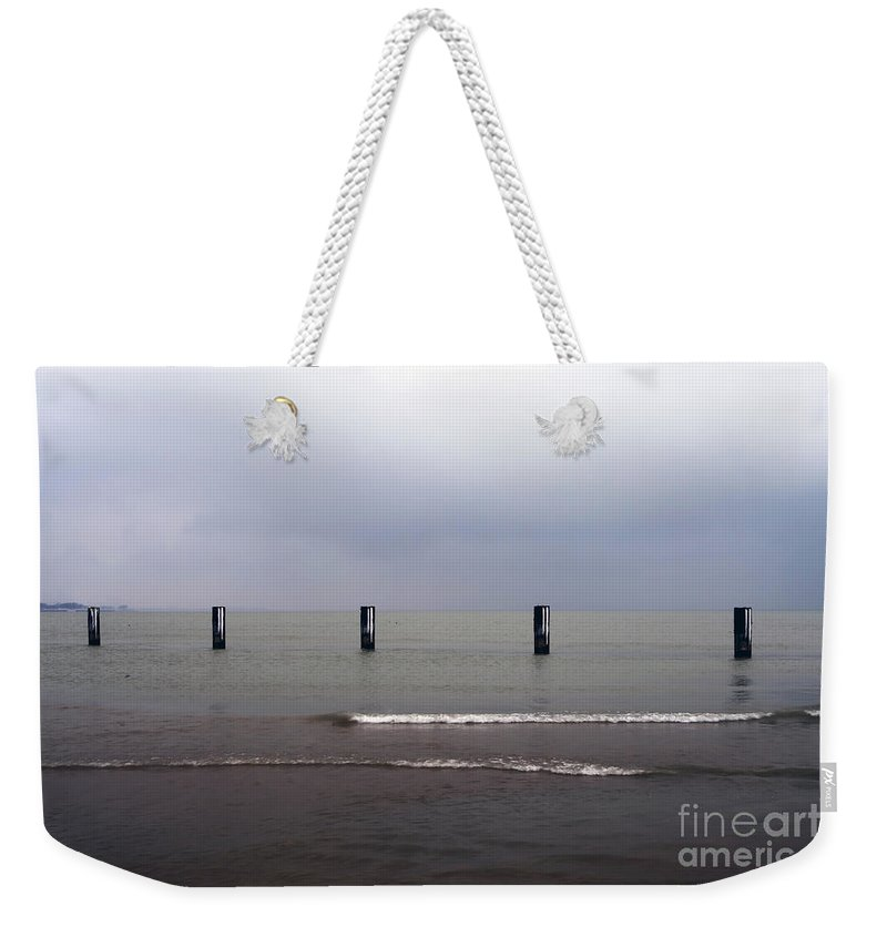 North Weekender Tote Bag featuring the photograph 0241 North Avenue Beach by Steve Sturgill