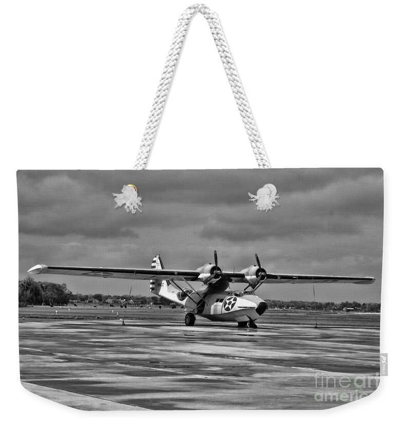 Consolidated Pby Catalina Weekender Tote Bag featuring the photograph Catalina by Tommy Anderson