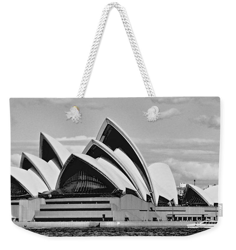 Sydney Weekender Tote Bag featuring the photograph Sydney Opera House by Eric Tressler