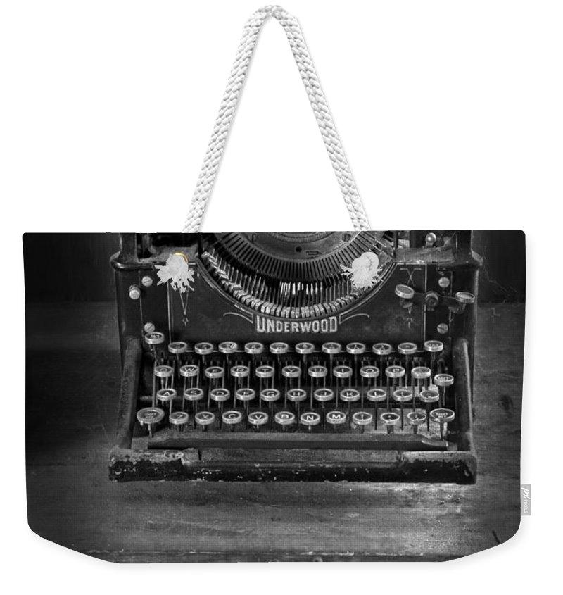 Typewriter Weekender Tote Bag featuring the photograph Underwood Typewriter by Dave Mills