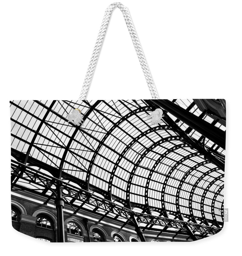 Hays Galleria Weekender Tote Bag featuring the photograph Hay's Galleria London by David Pyatt