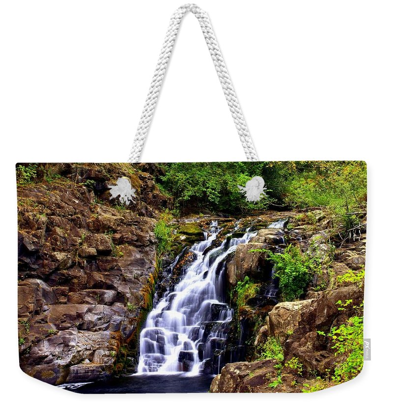 Washington Weekender Tote Bag featuring the photograph 12314 by Marty Koch