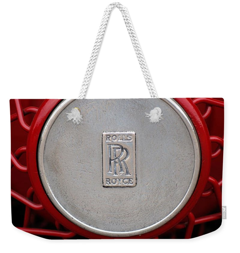 1928 Rolls-royce Phantom I Sedenca De Ville Wheel Emblem Weekender Tote Bag featuring the photograph 1928 Rolls-royce Phantom I Sedenca De Ville Wheel Emblem by Jill Reger
