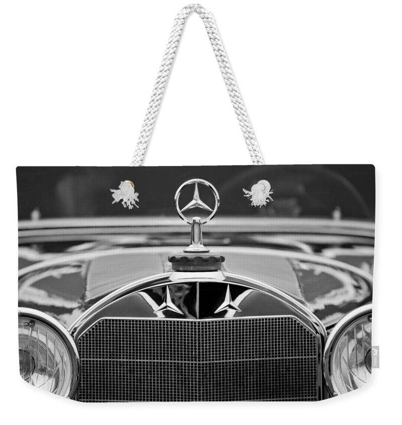 1929 Mercedes-benz S Erdmann & Rossi Cabiolet Hood Ornament Weekender Tote Bag featuring the photograph 1929 Mercedes-benz S Erdmann - Rossi Cabiolet Hood Ornament by Jill Reger