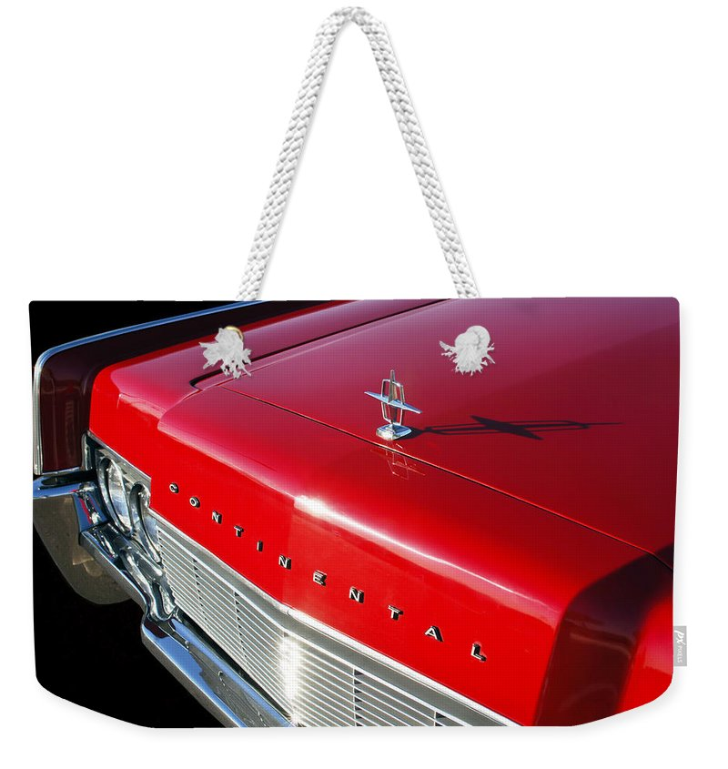 1967 Lincoln Continental Hood Ornament Weekender Tote Bag featuring the photograph 1967 Lincoln Continental Hood Ornament - Emblem -646c by Jill Reger
