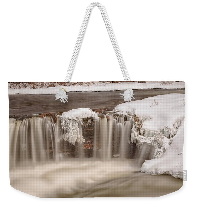 Waterfalls Weekender Tote Bag featuring the photograph Hog's Back Falls by Eunice Gibb