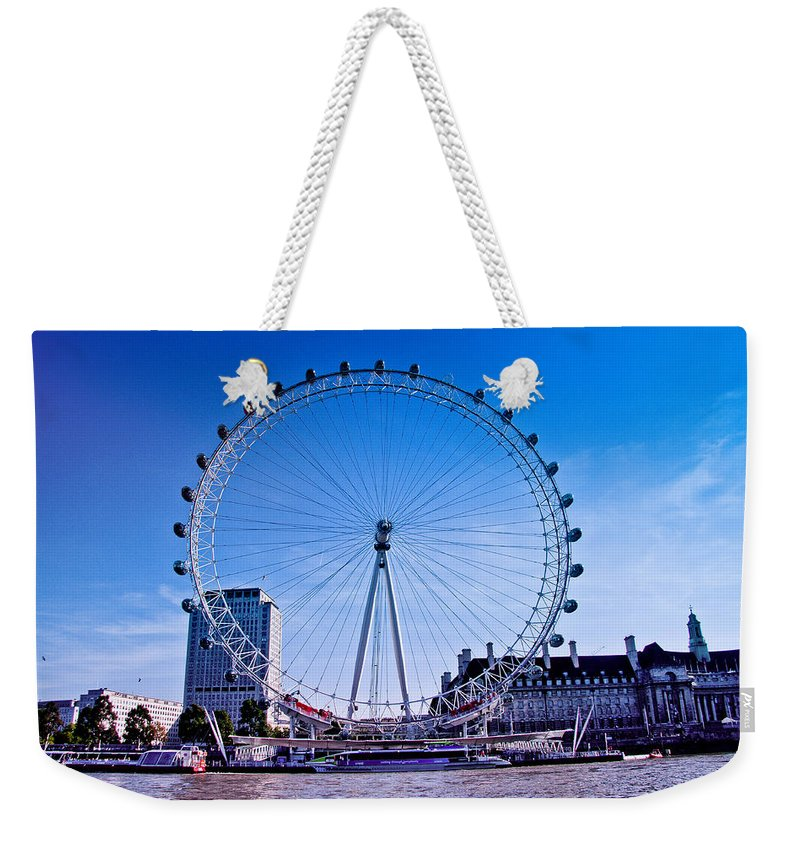 Uk.dawn Oconnor Weekender Tote Bag featuring the photograph London Eye by Dawn OConnor