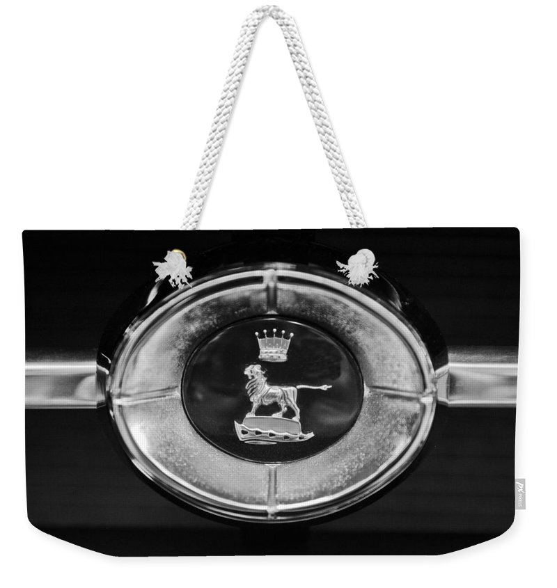 1965 Sunbeam Tiger Grille Emblem Weekender Tote Bag featuring the photograph 1965 Sunbeam Tiger Grille Emblem by Jill Reger