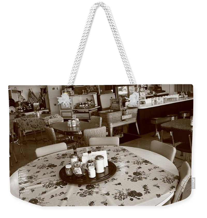 66 Weekender Tote Bag featuring the photograph Diner On Route 66 by Frank Romeo