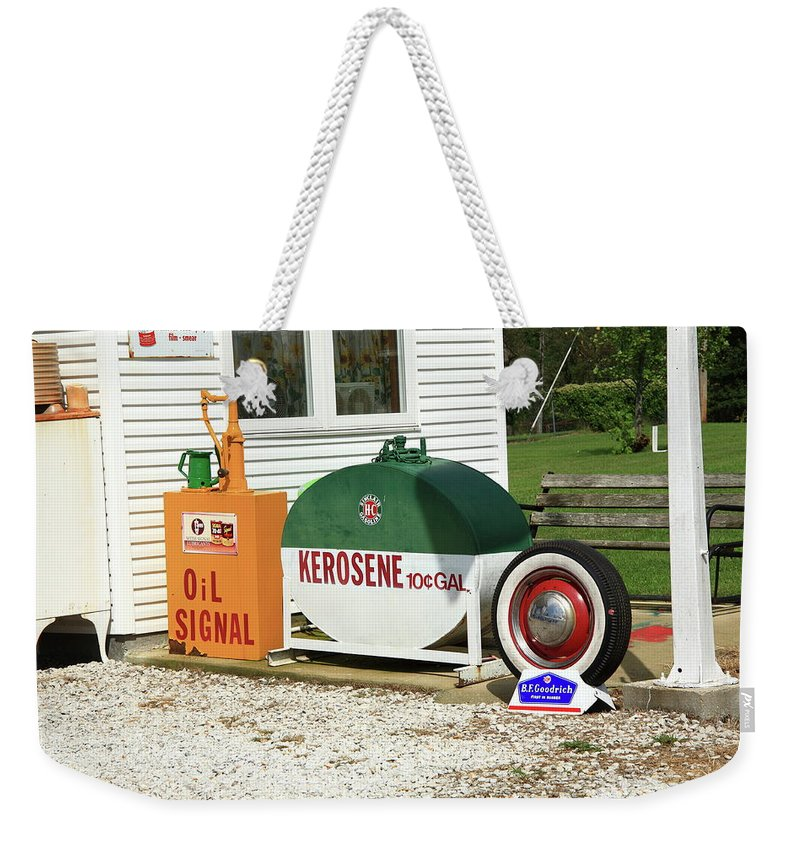 66 Weekender Tote Bag featuring the photograph Route 66 Sinclair Station by Frank Romeo