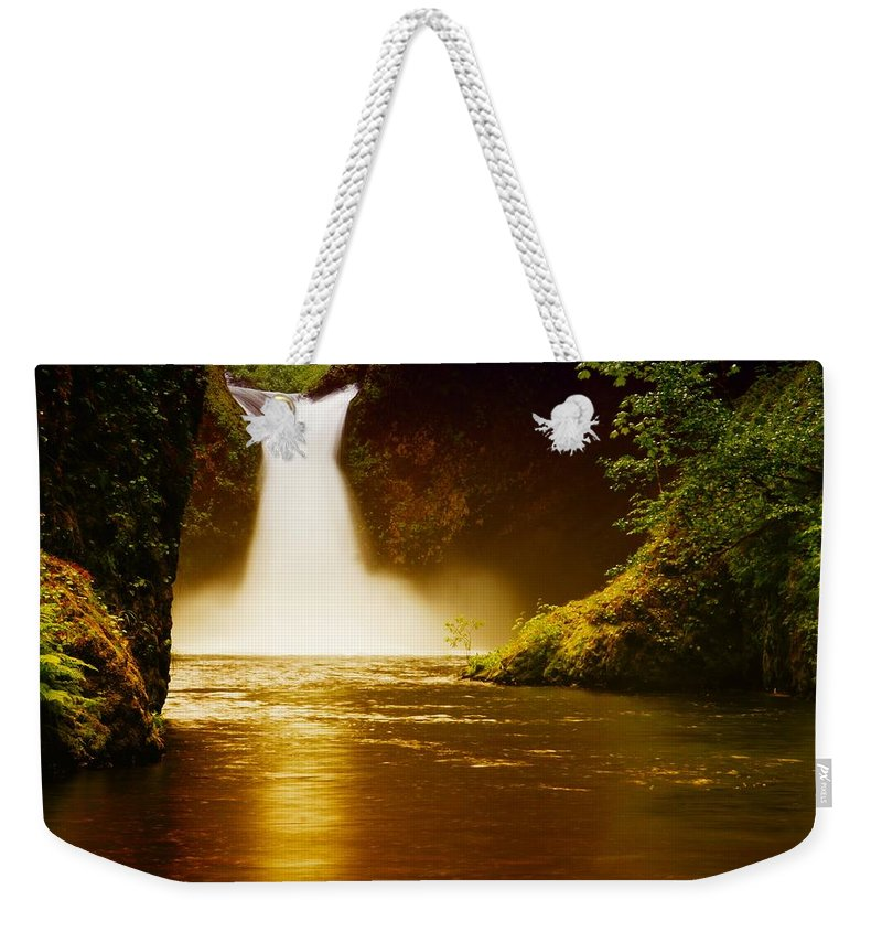 Waterfalls Weekender Tote Bag featuring the photograph Upper Punch Bowl Falls by Jeff Swan