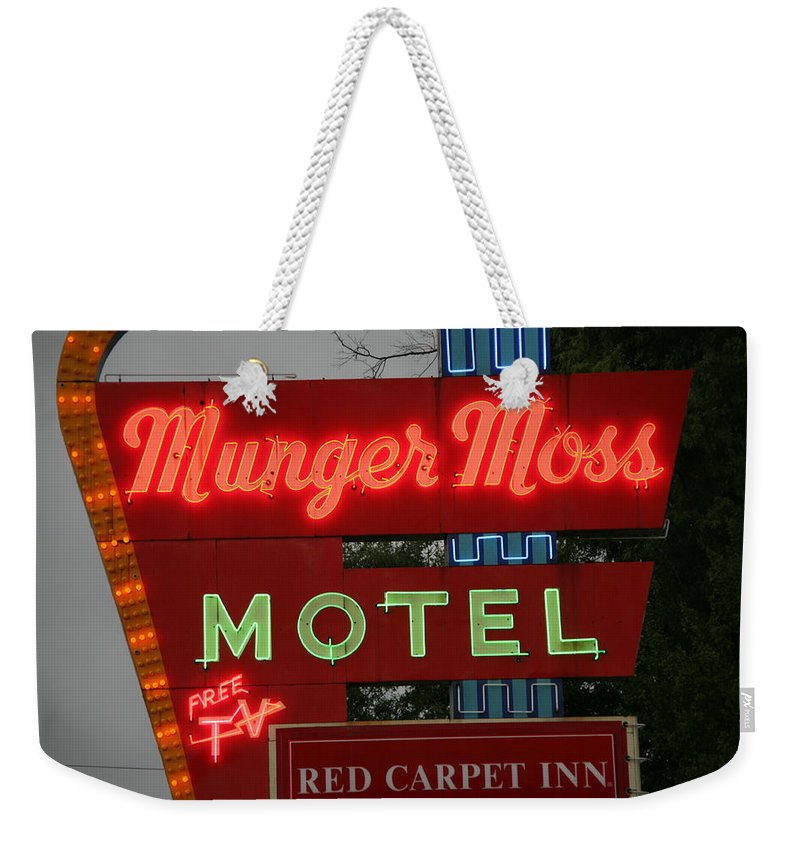 66 Weekender Tote Bag featuring the photograph Route 66 - Munger Moss Motel by Frank Romeo