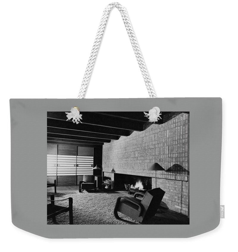 Living Room Weekender Tote Bag featuring the photograph A Rustic Living Room by Hedrich Blessing