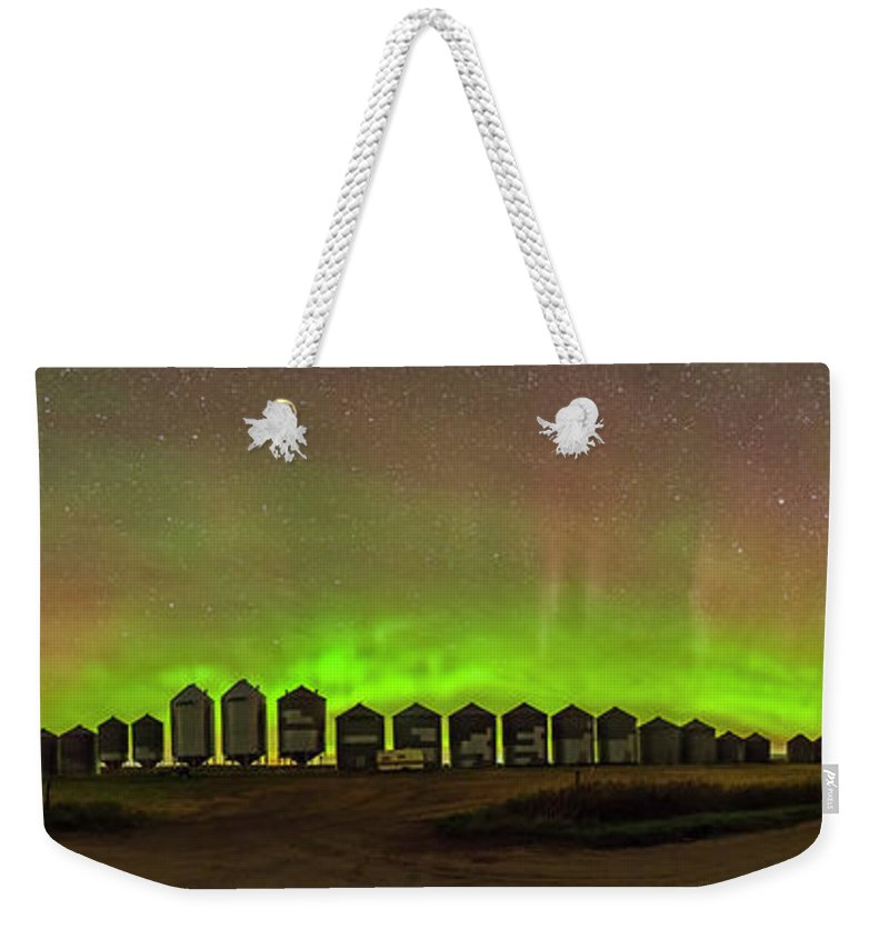 Alan Dyer Weekender Tote Bag featuring the photograph Aurora & Airglow Panorama by Alan Dyer