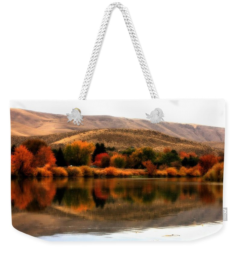 Prosser Weekender Tote Bag featuring the photograph Autumn Glow On The Yakima River by Carol Groenen