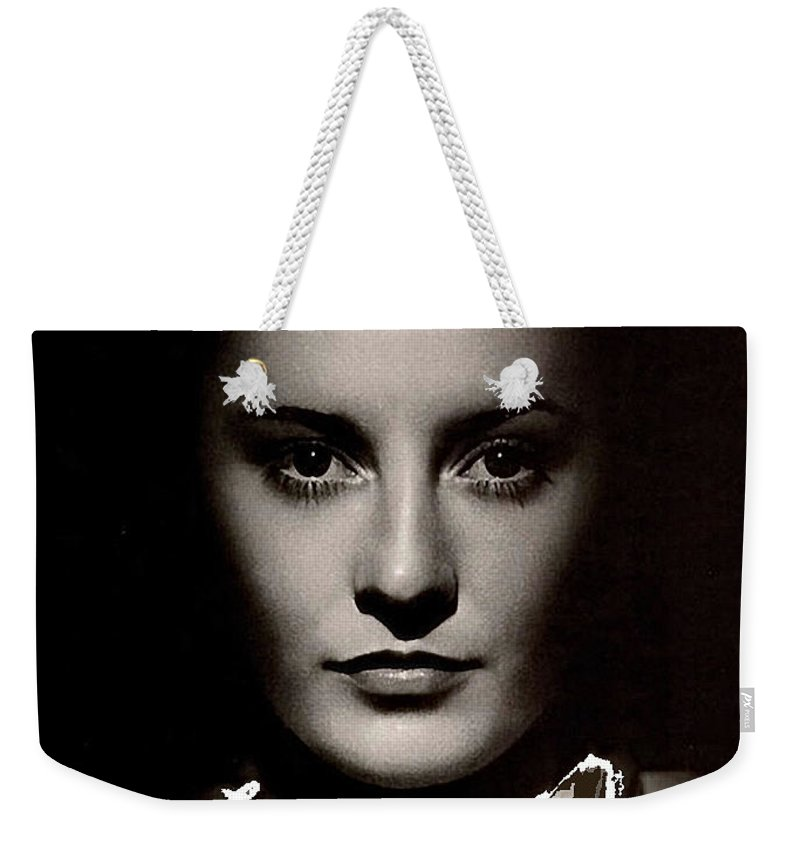 Barbara Stanwyck Early In Her Career C.1933 Weekender Tote Bag featuring the photograph Barbara Stanwyck Early In Her Career C.1933-2014 by David Lee Guss